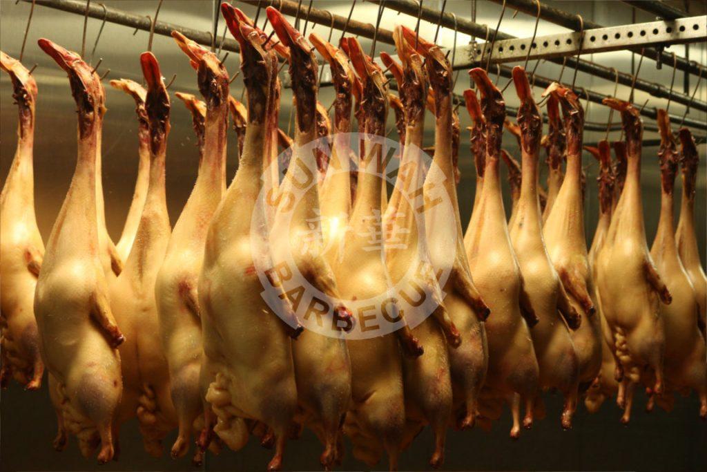 Preparing Beijing Ducks
